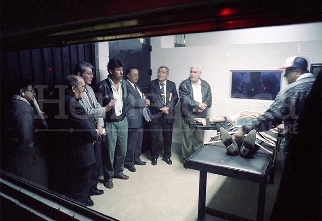 Manuel Martínez Coronado fue el primer reo ejecutado por medio de la inyección letal, el 10 de febrero de 1998. (Foto: Hemeroteca PL)