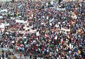 <em>Miles de libaneses protestan en Beirut contra la corrupción en el Gobierno.</em>