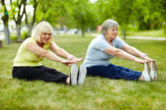 El ejercicio ayuda a estimular el cerebro en las personas de la tercera edad.