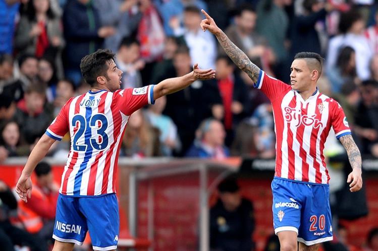 Sanabria celebra su gol en favor del Sporting este sábado. (Foto Prensa Libre: AFP)