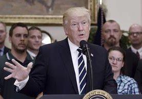 Donald Trump, pronuncia su discurso tras firmar la orden ejecutiva sobre capacitación laboral. (EFE).