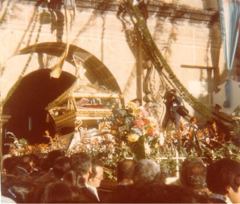Procesión de Consagración del Señor Sepultado de la Escuela de Cristo en 1979. (Foto: Hemeroteca PL)