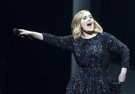 Adele durante un concierto en Amsterdam. (Foto Prensa Libre: Hemeroteca PL)