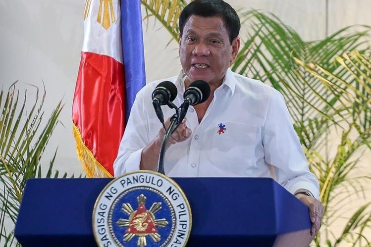 Presidente Duterte brinda un discurso sobre los criminales que han muerto durante su gestión. (Foto Prensa Libre: AFP)