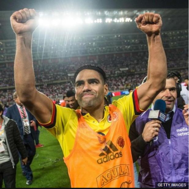 Falcao estuvo en el centro de la polémica al conversar con los jugadores peruanos sobre la derrota de Chile en Brasil. (Foto Prensa Libre: BBC Mundo)