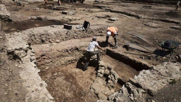 Los pobladores abandonaron el lugar escapando del fuego, pero este también ayudo a la preservación de los restos. AFP