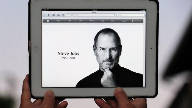 Cinco años después de su fallecimiento, la figura de Steve Jobs todavía está en el centro del debate tecnológico. (AFP)