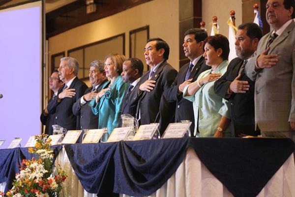 Funcionarios vinculados al Sector Justicia inauguran seminario contra la corrupción. (Foto Prensa Libre: Esbin García)