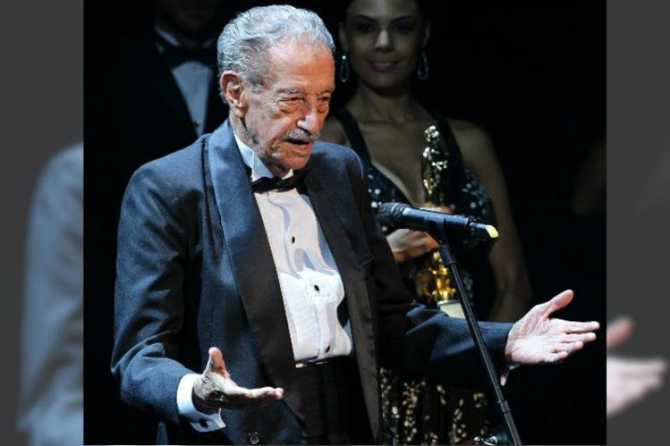 El actor Mario Almada, el justiciero más famoso del cine mexicano, murió a los 94 años de un paro cardíaco en su casa de Cuernavaca. (Foto Prensa Libre: EFE)
