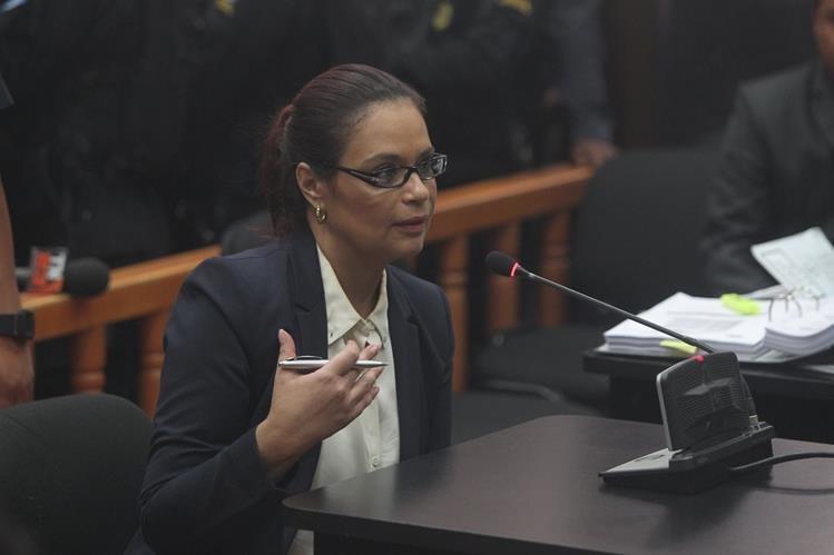 Roxana Baldetti durante la audiencia de primera declaración este lunes. (Foto Prensa Libre: Esbin García)