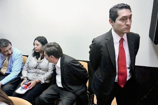 Tres abogados son sindicados por supuestamente sobornar a una jueza para que beneficiara a los supuestos jefes de la banda de defraudación aduanera La Línea. (Foto Prensa Libre: Estuardo Paredes)
