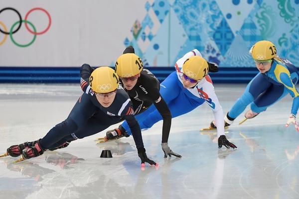 <p>Corea se cuelga el oro en el relevo de 3.000 m en patinaje en pista corta. (Foto Prensa Libre: AFP)<br></p>