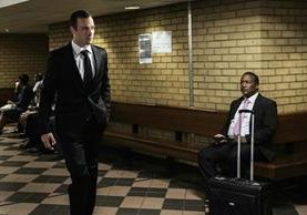 Pistorius es acusado de haber asesinado a su novia en un confuso incidente. (Foto Prensa Libre: AFP)