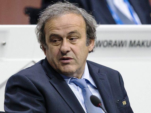 Michel Platini busca reemplazar a Blatter en la presidencia de FIFA.