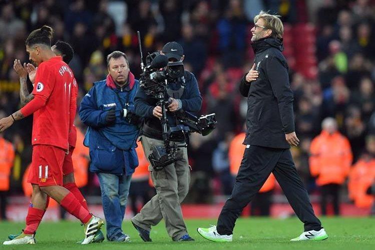 EL Liverpool se quedó con la victoria con un aplastante 6-1 contra el Watford el fin de semana, resultado que le permitió tomar el liderato en Inglaterra. (Foto Prensa Libre: AP )