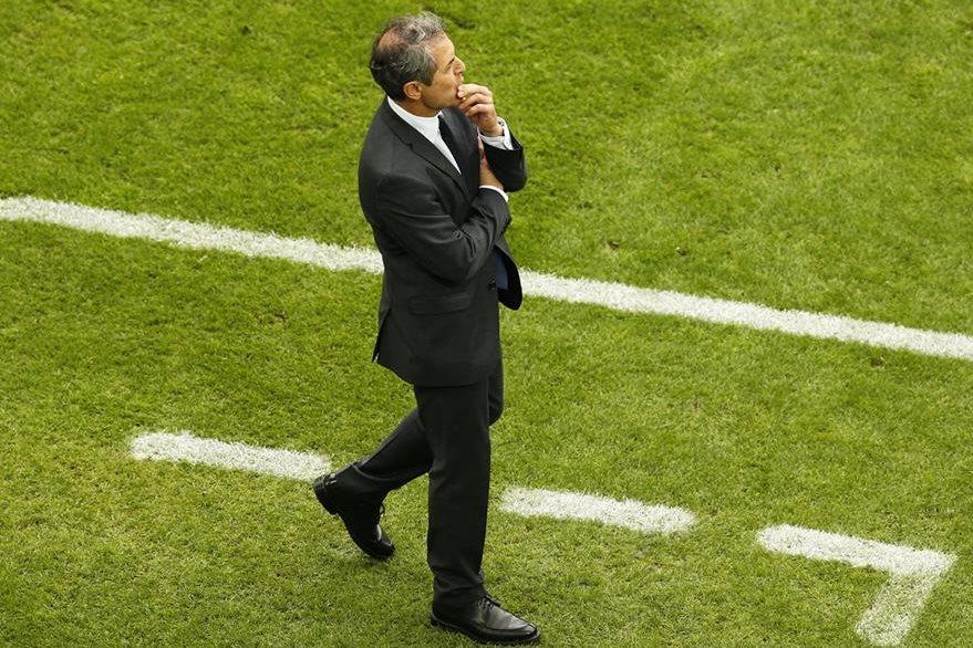 Koller¨aseguró que hubo mucha falta de concentración de sus jugadores. (Foto Prensa Libre: EFE)