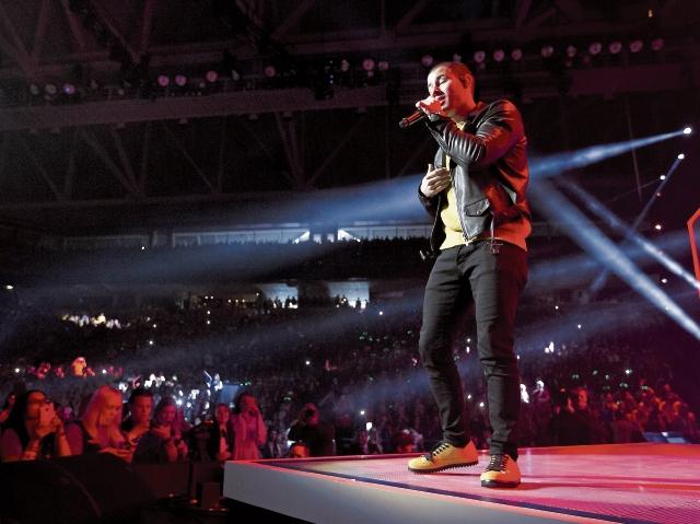 En el  documental, Nick incluye  imágenes de conciertos en los que comparte con sus fanes. (Foto Prensa Libre: Hemeroteca PL).
