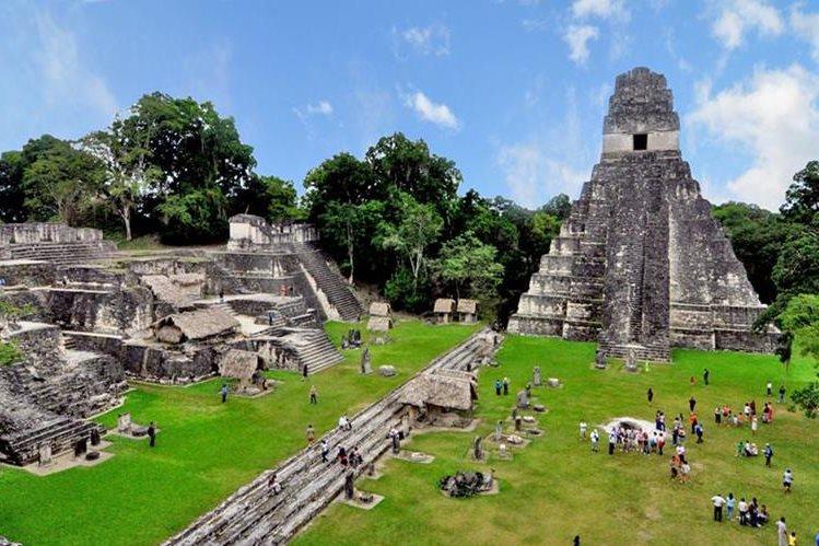 La ciudad maya de Tikal es uno de los conjuntos arquitectónicos más visitados del mundo maya. (Foto Prensa Libre: Hemeroteca PL)