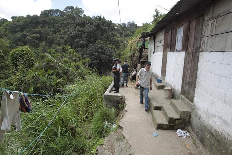 El asentamiento Positos, Barrio San Antonio, zona 6, es considerado como un área de alto riesgo. (Foto Prensa Libre: Carlos Hernández)