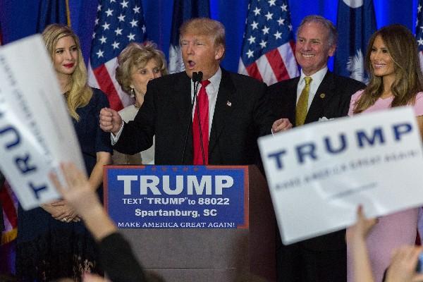 Donald Trump es el dueño de la carrera republicana tras su amplia victoria en Carolina del Sur.