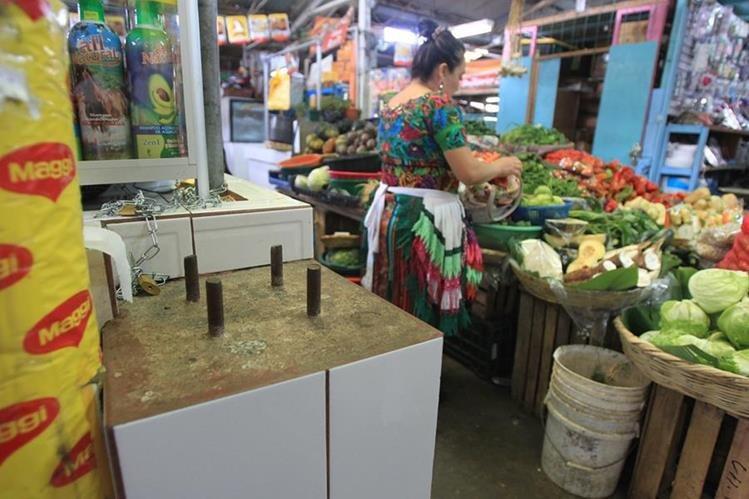 Los productos que más ponderaron hacia el alza fueron el tomate, güisquil y productos derivados de la tortilla. (Foto Prensa Libre: Esbín García)