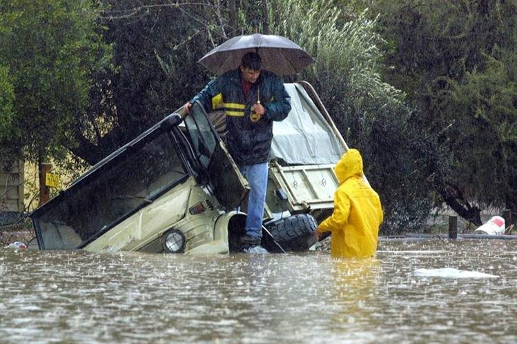 <em><em>El Niño Godzilla&nbsp; podría provocar lluvias inusuales en la zona central de Chile en los próximos meses. </em>(Foto Hemeroteca PL).</em>