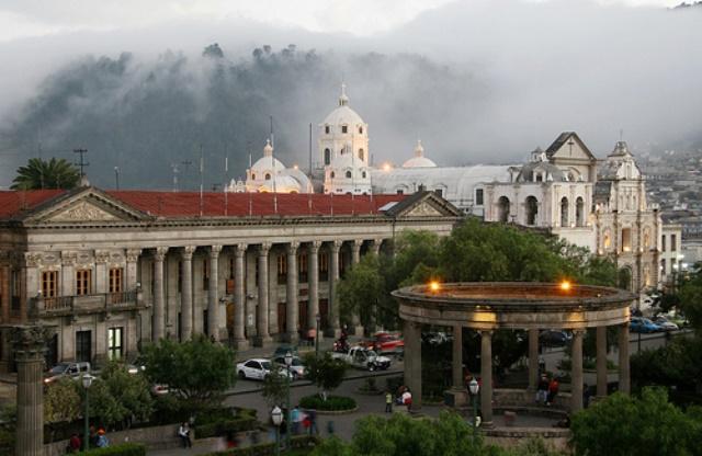 Las ciudades intermedias podrían ser la clave para potenciar el desarrollo del país. (Foto Prensa Libre:gotravelaz.com)