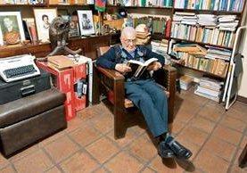Mario Guerra Roldán asumió como magistrado del Tribunal Supremo Electoral en 1989.