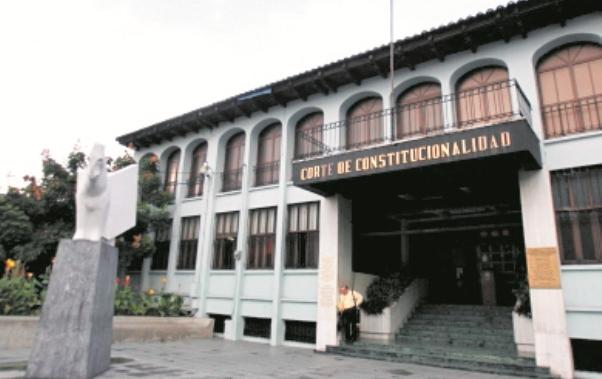 La Corte de Constitucionalidad comenzó un proceso para digitalizar las resoluciones desde 1986. (Foto Prensa Libre: Hemeroteca PL)