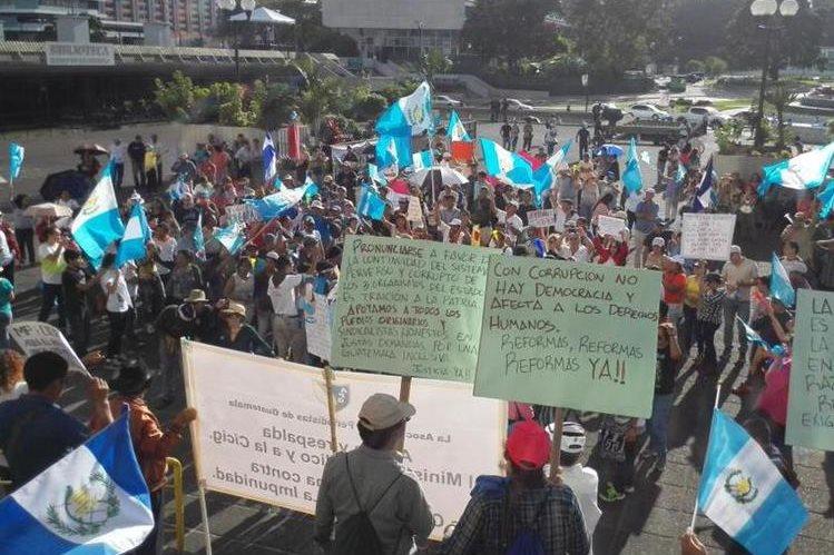 Guatemaltecos respaldan al MP y Cicig en su lucha contra la corrupción. (Foto: Erick Avila)