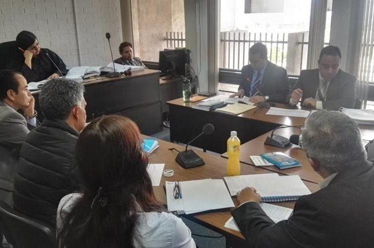 Ministerio Público recibió un plazo de dos años para realizar las investigaciones sobre los bienes de Carlos Muñoz. (Foto Prensa Libre: Jerson Ramos)