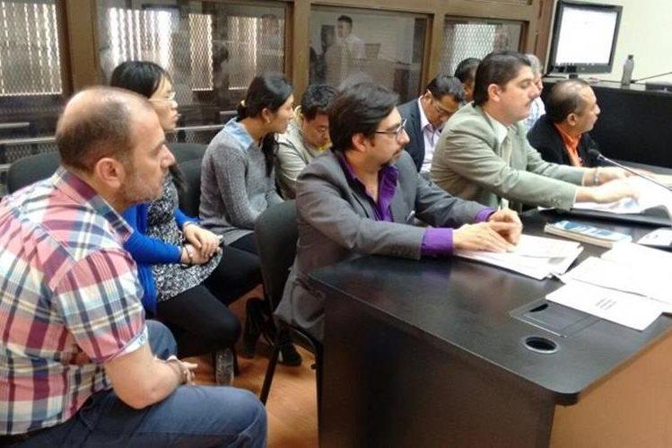 Importadores utilizaron la Línea para defraudar el fisco y pagar menos impuestos según investigación de la Cicig. (Foto Prensa Libre: P. Raquec)