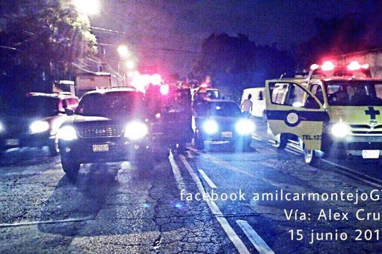 Este fue el vehículo atacado en la zona 13. (Foto Prensa Libre: Amílcar Montejo/PMT)