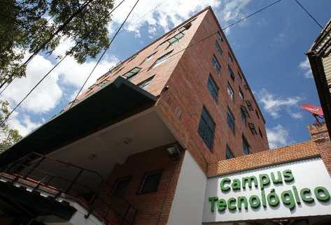 El Campus Tec es uno de los edificios emblemáticos de la nueva zona 4 (Foto Prensa Libre: tec.gt).