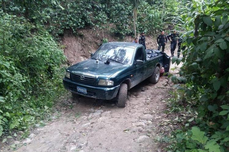 Tres hombres muertos en pickup placas Salvadoreñas en Guatemala