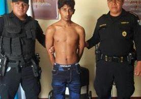 Josué Fernando Soto Godoy es sindicado de robo agravado. (Foto Prensa Libre: Melvin Popá).