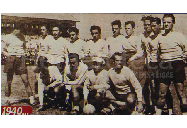 "Municipal en 1940. Ya jugaban Piloña, ""Lupe"" Portilla, Neco González, Cristóbal Bolaños y el portero ""Turín"" Gómez.  (Foto: Hemeroteca PL)"