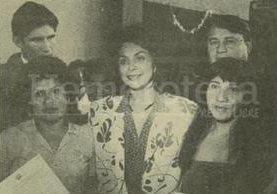 Raquel Blandón de Cerezo junto a reclusas del COF. (Foto: Hemeroteca PL)