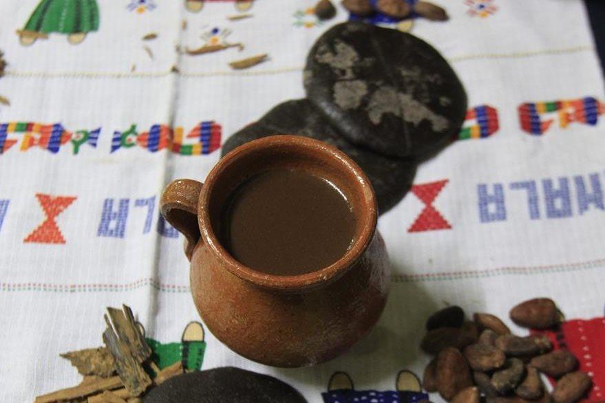 El chocolate fue sacralizado por los antiguos mayas.  Foto Prensa Libre: Hemeroteca PL.