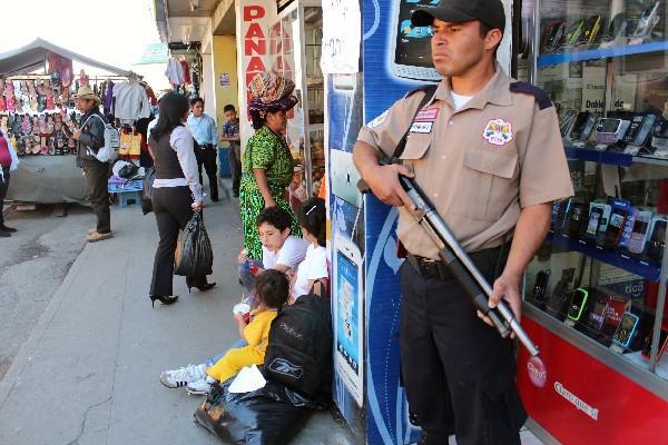 empresas privadas  de seguridad colaborarán con la seguridad pública, después del convenio que suscribieron empresarios con Gobernación.
