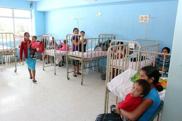 Pediatría del hospital de Jalapa está saturada.