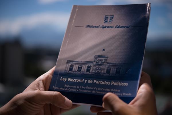El Congreso podría reformar la Ley Electoral luego de que la CC mande su dictamen. (Foto Prensa Libre: HemerotecaPL)