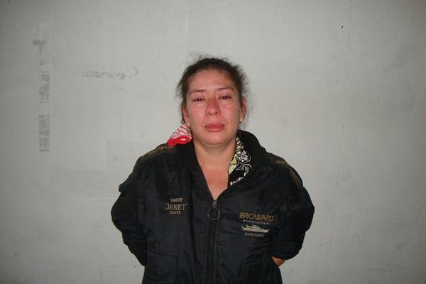 <p>PNC acusa a Ilma Leoni González Lemus de portar arma sin licencia. (Foto Prensa Libre: Comunicación Social PNC)<br></p>