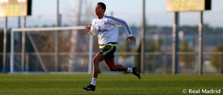 Cristiano Ronaldo se ejercita en la ciudad deportiva del Real Madrid. (Foto Prensa Libre: Realmadrid.com)