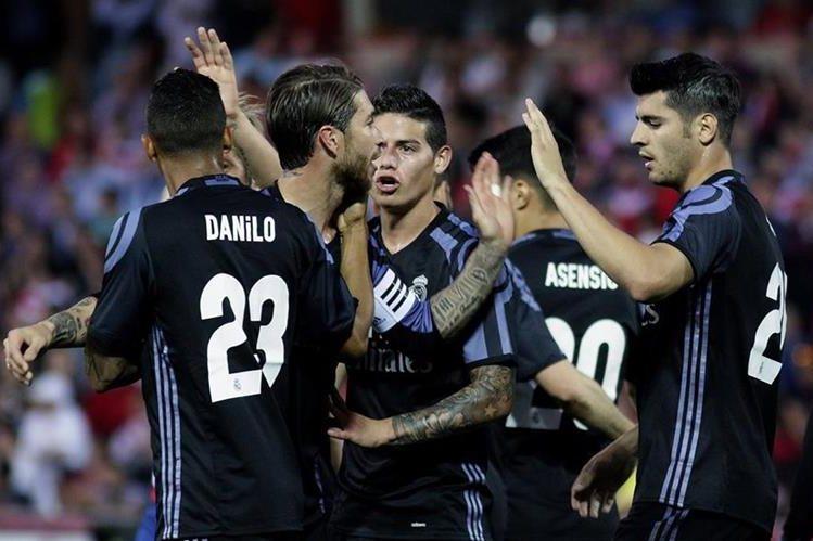 El Real Madrid sigue con el ojo puesto en el título de Liga. (Foto Prensa Libre: EFE)