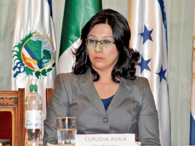 El caso de Claudia Ávila se encuentra en la Cámara de Amparos y Antejuicios de la Corte Suprema de Justicia.