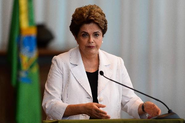 Dilma Rousseff fue destituida de la presidencia de Brasil. (Foto Prensa Libre:AFP).