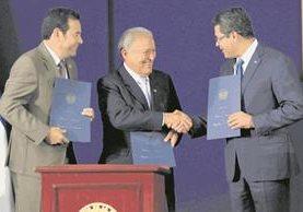 Presidentes de Guatemala, El Salvador y Honduras durante una reunión. (Foto Prensa Libre: Hemeroteca PL).