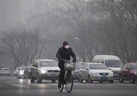 El estudio señala que vivir cerca de calles con mucho tránsito podría estar relacionado con la demencia. (Foto Prensa Libre: AFP).