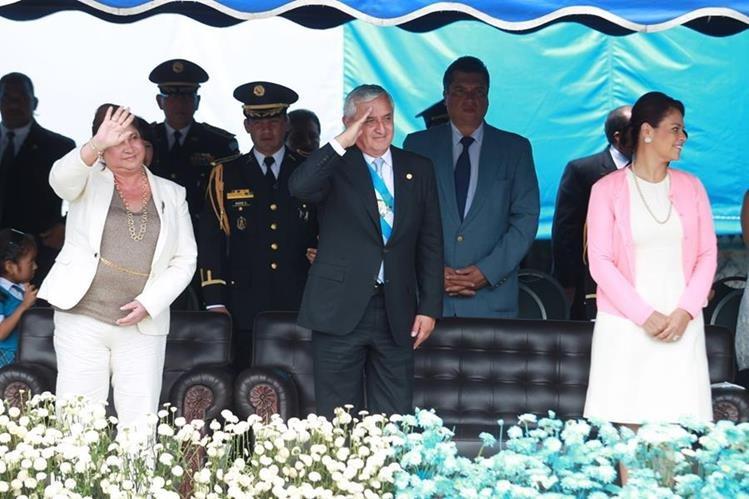 Según el presidente no ha visto a su compañera de fórmula, desde que renunció en mayo. (Foto Prensa Libre: Hemeroteca PL)